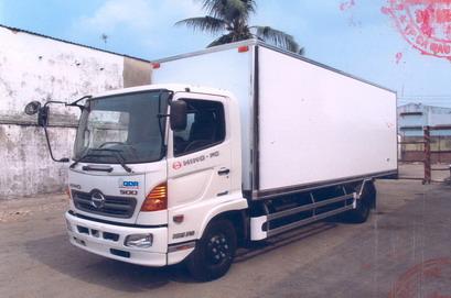 Xe tải Hino FC9JLSW Thùng Kín Bảo Ôn (5.7 tấn)
