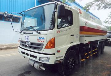 Xe tải Hino FM8JTSA Chở xăng dầu 18m3