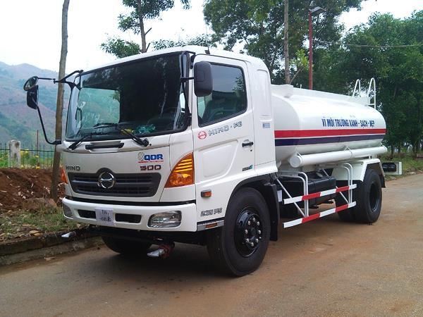 Xe Tải Hino FG8JJSB Phun Nước Rửa Đường (9.4 Tấn)