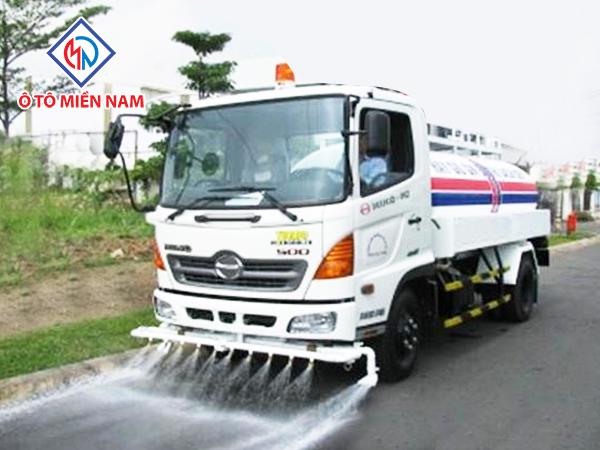 Xe Tải Hino FG Phun Nước Rửa Đường 2017