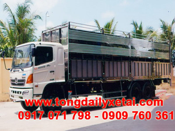 xe tải hino chở gia súc