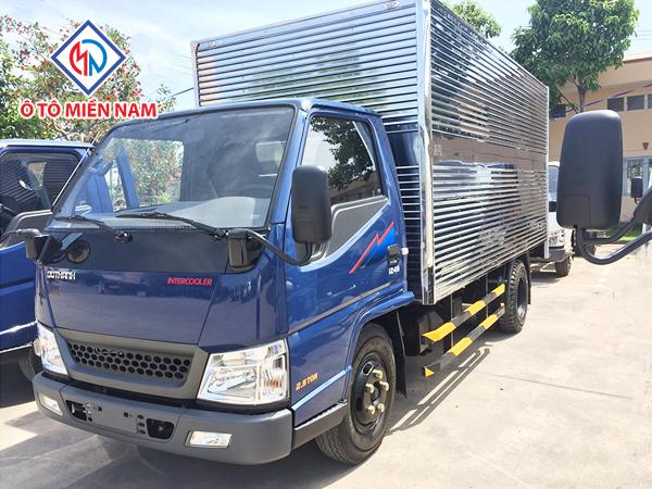 Xe Tải Hyundai IZ49 2.4 Tấn Đô Thành Thùng Kín