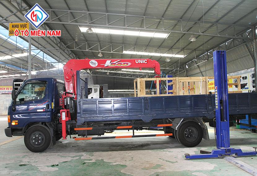 mua xe tải Hyundai gắn cẩu